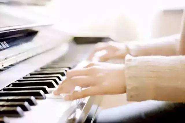浙江音乐高考,金鹰学子日常练琴